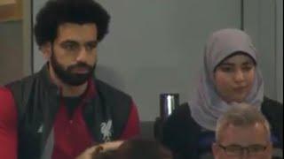 شاهد محمد صلاح وزوجته في مدرجات لمشاهدة مبارة ليفربول
