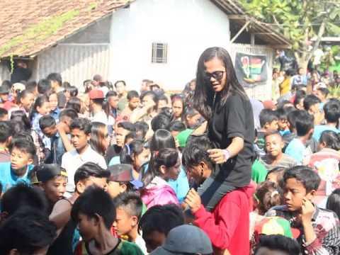 KULA GAH RASTA--Kopi lambada 2(cover)@ live gempol kolot