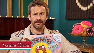 Arnie the Doughnut read by Chris O