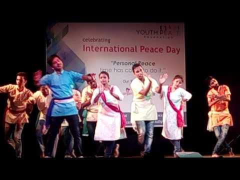ekla cholo re by santragachi dance troop