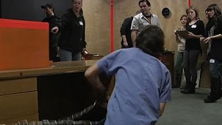 Sixty Minutes to Escape a Room With a Zombie
