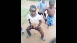 Ghetho kids dancing Sumulula by Pallaso