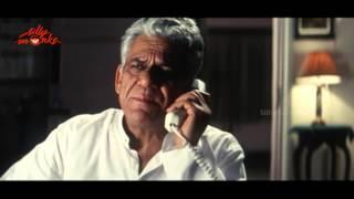 Dhoop Movie Scene 3 - Om Puri, Revathi, Sanjay Suri