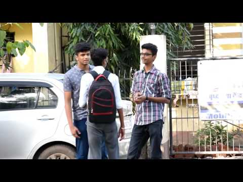 Loudly Complimenting People. Pranks in India.