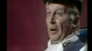 Clive Dunn - Grandad [totp2]
