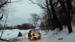 Car Sinking in Lake - Driving Car on ICE - unbelievable