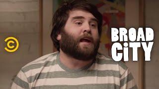 Broad City - Exclusive - Meet Bevers
