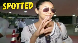 Shahrukh Khan's Wife Gauri Khan Spotted At International Airport
