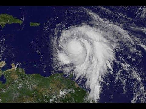 CNN Live Stream HD - Tracking Hurricane Maria Updates