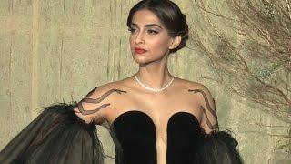 Sonam Kapoor's SEXY LOOK at Manish Malhotra's 50th Birthday Bash 2016   VIDEO