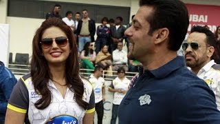 Huma Qureshi To Maintain Her Fitness In Salman Khan's Way   Bollywood News