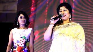 গান গাইলেন মৌসুমী || এখন তো সময় ভালবাসার || Mousumi As guest at Sunsilk Prothom Alo Eid Fashion 2017