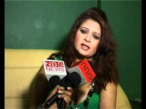 B grade actress Sapna controversial interview & cleavage & thigh show Part 3