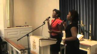 Patricia & Alice Charitable led Havre de Grace Congregation in Praise & Worship.12-25-10.
