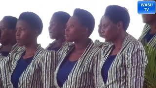 KANANI SDA CHOIR (MBUGANI) WAKIIMBA WIMBO SHETANI NI MACHINGA KWENYE MAKAMBI KIRUMBA 2018