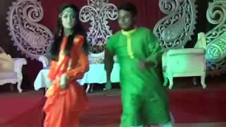 Dhakai Saree | Awesome Holud Dance Performance By Sam and Sneha | Bengali Holud Ceremony 2018 |