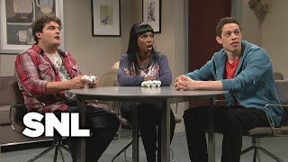 Kissing Video Game Characters - SNL