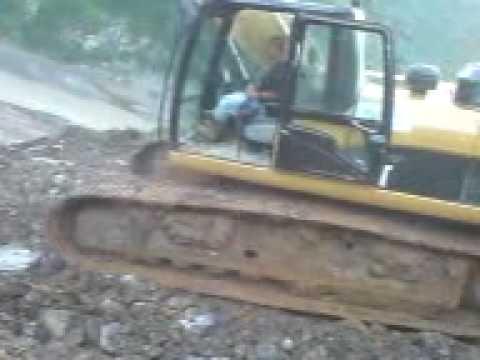 accidente en autopista mexico tuxpam excavadora 330.3gp