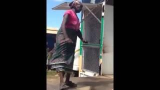 Amazing Granny shakes it like its hot