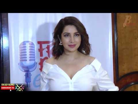Tisca Chopra Hot Cleavage Show In White Neckline Shirt