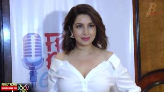 Tisca Chopra Hot Cleavage Show In White Neckline Shirt