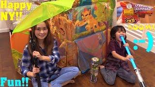 Disney Junior The Lion Guard Waterfall Hut Play Tent. Toy Gun, Lightsaber and Firecrackers.