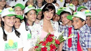 Watch Priyanka Chopra's Hot Cleavage Show - Hot Or Not ?