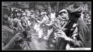 Dhool waaje Maandal Waaje Chaal Chori Bhega Ramiye Full Aadivasi Dance Song