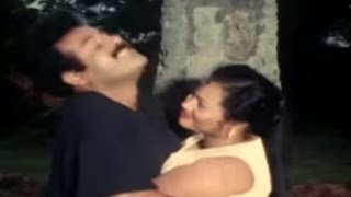 Tamil Hot Movie Scenes - Lady Flirts with an Old Man - Aasai Kadhalan - Vinod, Varshini