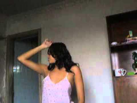 Delicia dançando funk