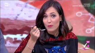 Caterina Balivo superMix - Mangia, lecca, succhia a Detto Fatto