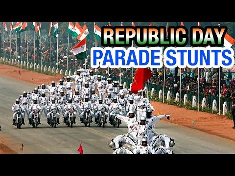 Indian soldiers display amazing bike stunts at Republic Day parade   PM Modi   Barack Obama