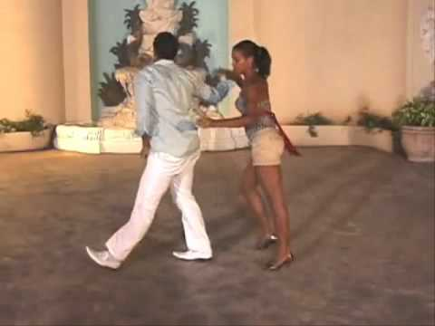 Salsa .baile con la punta pie
