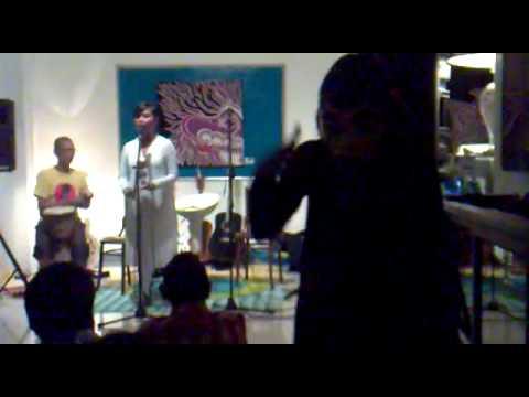 Anggun Sang Penari performed by Anisa Mandahiling