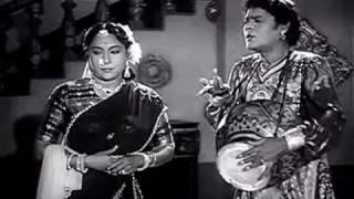 Kanne Unnaal Naan Adaiyum - Ambikapathi [1957].avi