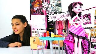 Monster High bebekleriyle #kızoyunları. Draculaura'ya doğum günü sürprizi hazırlıyoruz