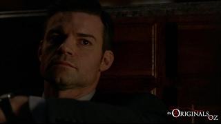 The Originals 3x11 Elijah comforts Hayley
