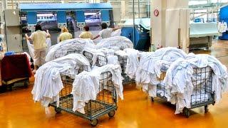 Prádelna pro tři nemocnice vypere 5 tun prádla denně