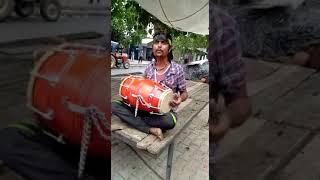 Sisi Bhari Gulab Ki... super Dhol king in Street in India