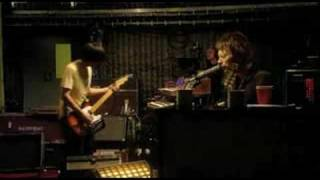 House of Cards - Radiohead live from the basement