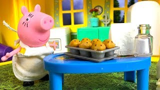 STORY WITH PEPPA PIG - MUMMY PIG MAKES CUPCAKES & SNEAKS A TREAT