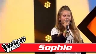 Sophie synger