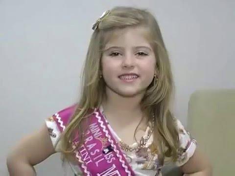 """Lorena Queiroz a """"Carinha de Anjo"""" no concurso Mini Miss Brasil."""