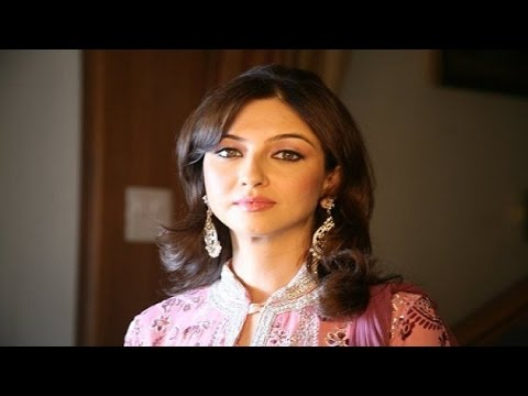 Saumya Tandon becomes victim of fake profile on Twitter