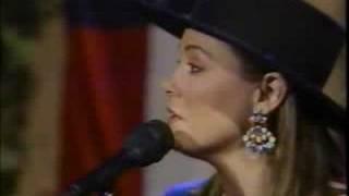 Suzy Bogguss - Someday Soon (live)