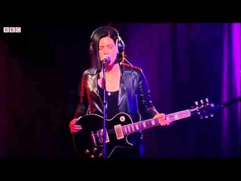 Xxx Mp4 Jamie XX Feat Romy Olivier Stranger In A Room SeeSaw BBCR1 3gp Sex