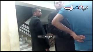 مشادات كلامية بين الصحفيين واقارب حمدي الفخراني
