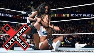 Nikki Bella vs. Naomi - Divas Championship Match: Extreme Rules 2015
