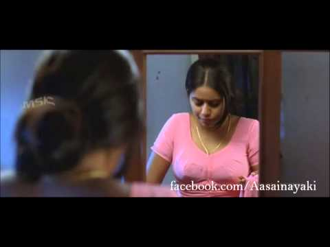 Poorna aka 'Shamna Kasim' boobs show in pink saree