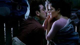 Jagga jasoos kissing scene Ranbir and Katrina funny kiss